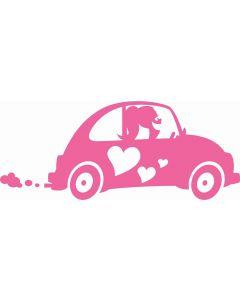 Forelsket pige i bil